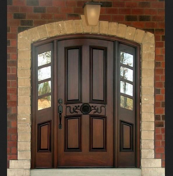 Вхідні деревяні двері