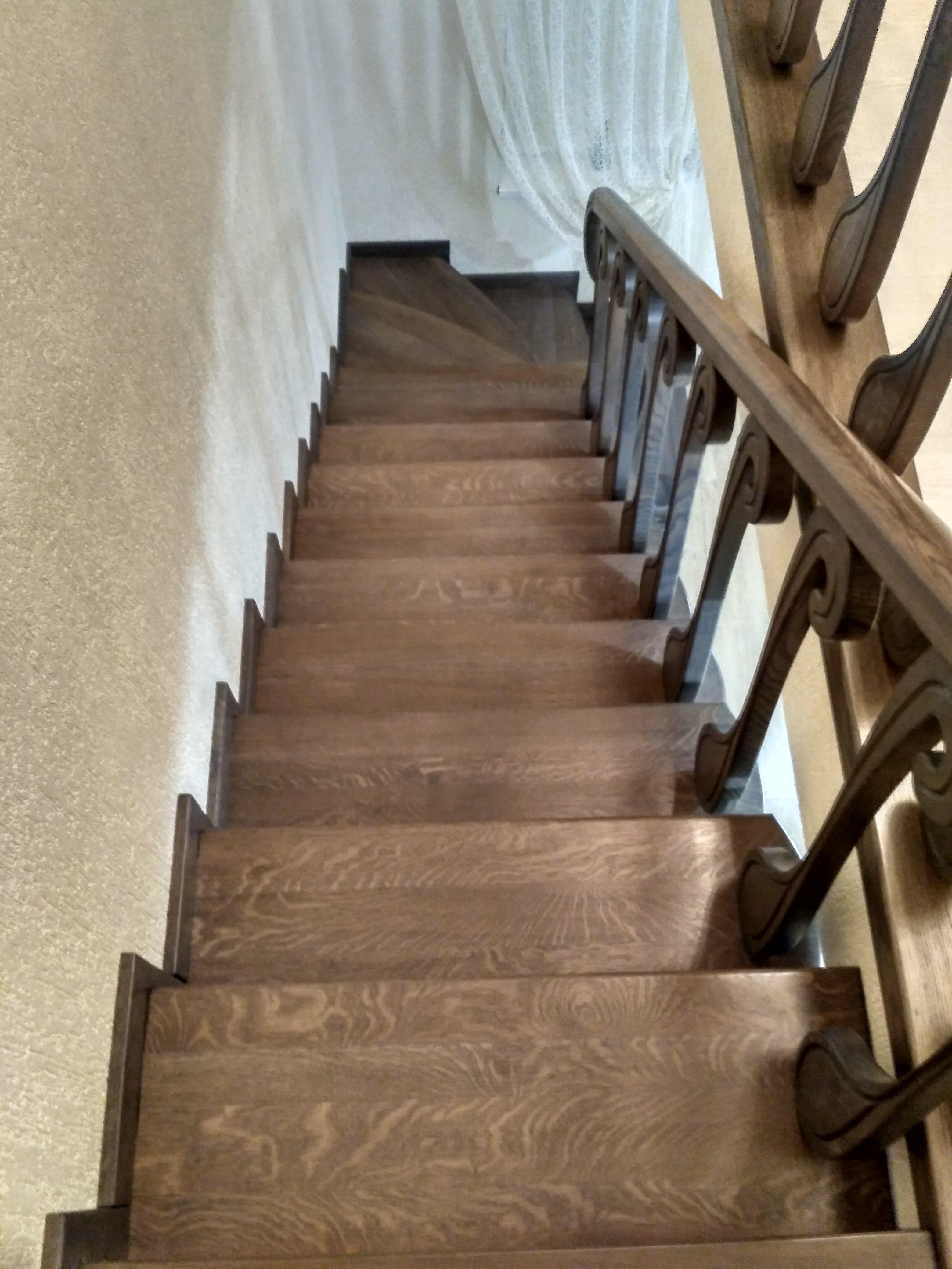 Сходи дубові