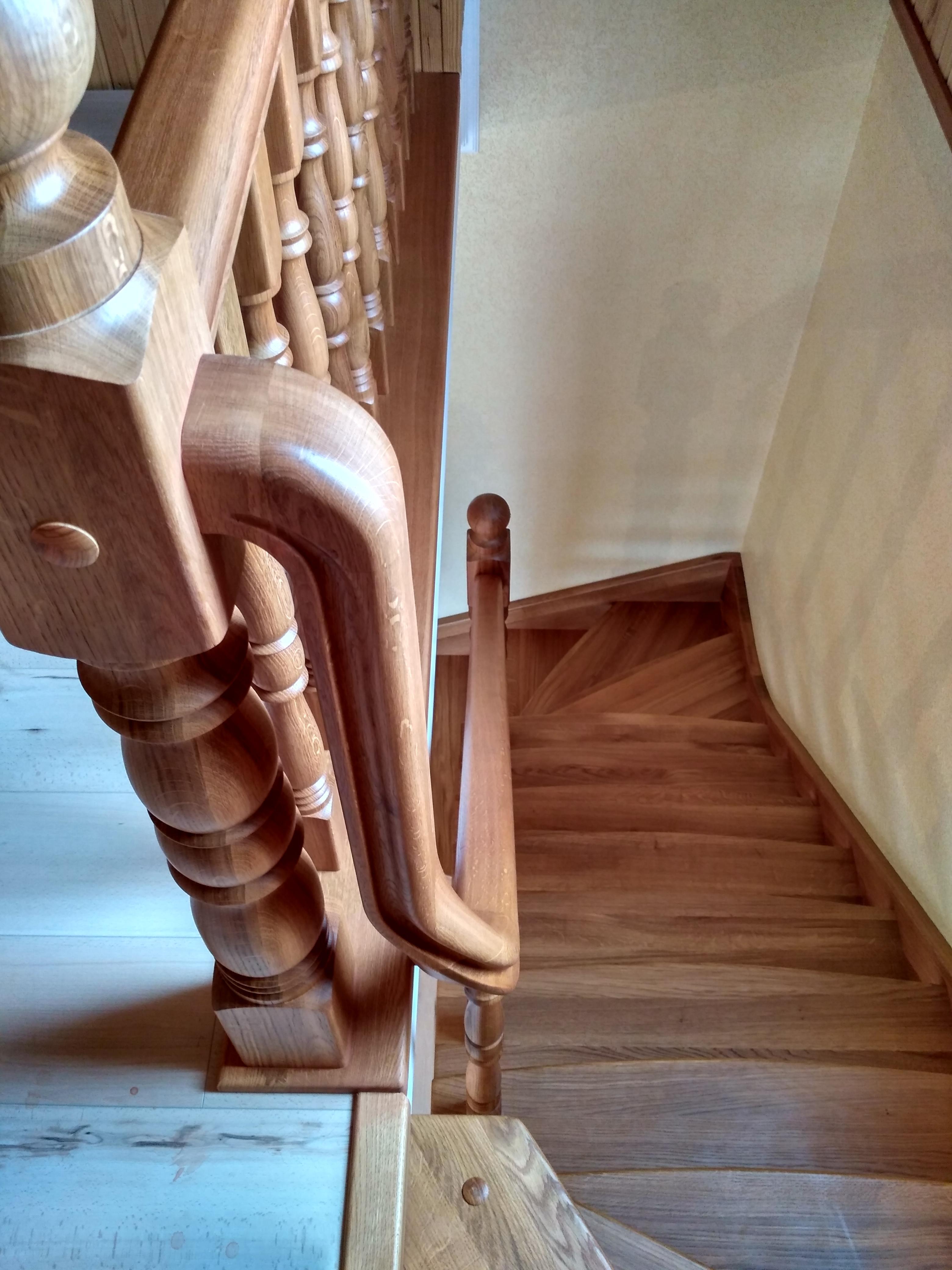 Поручні для сходів з гнутими елементами