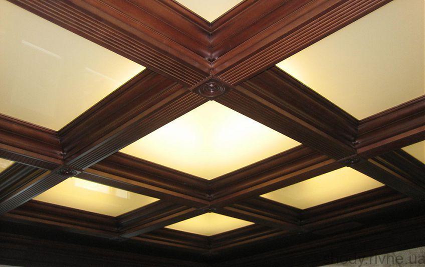 Оформлення стель деревяним елементами