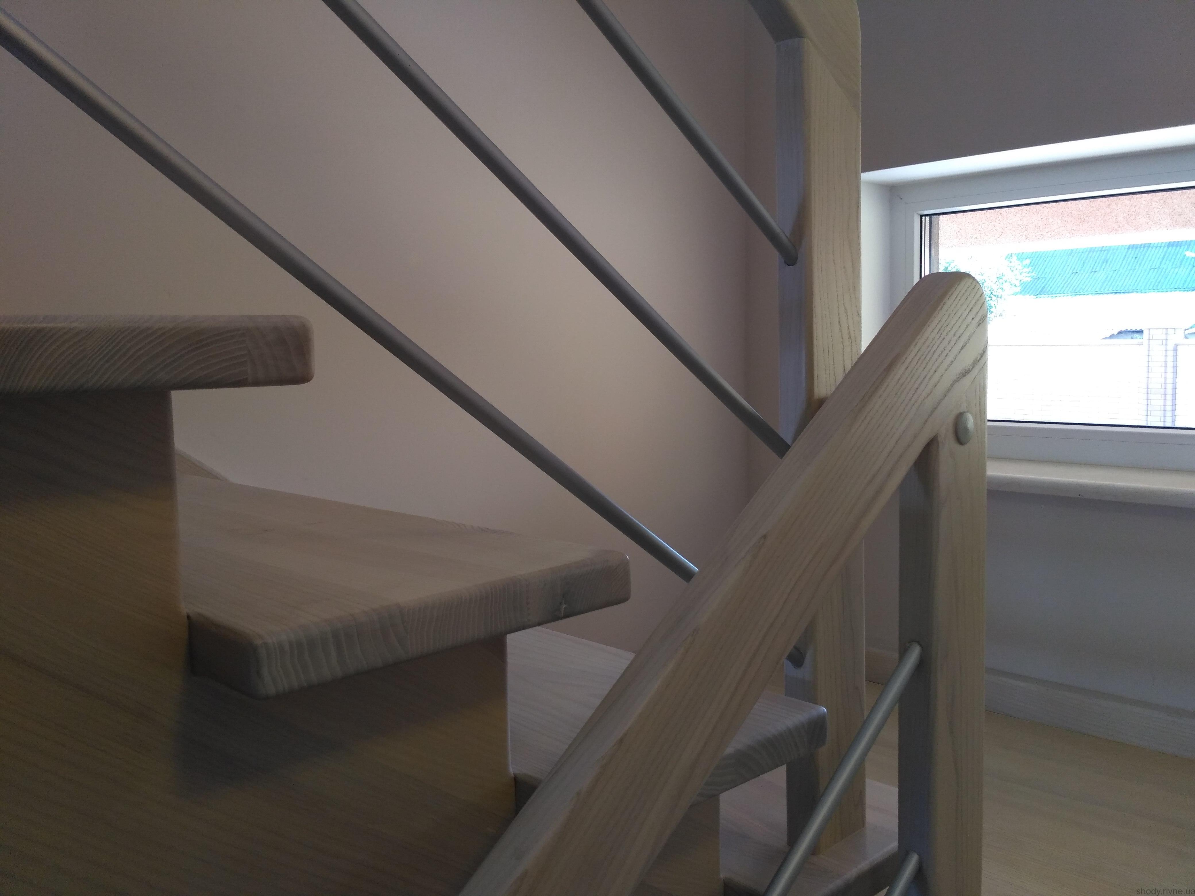 Виготовлення сходів з ясена