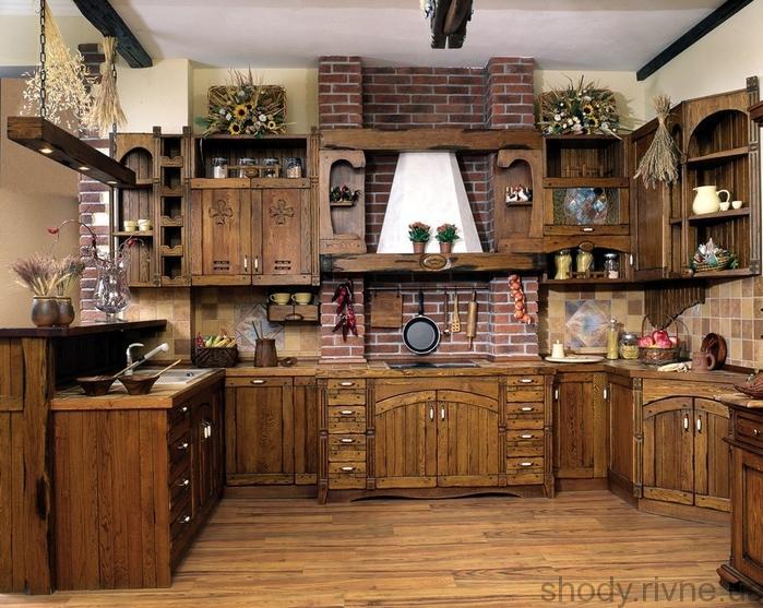 Деревяні кухні.