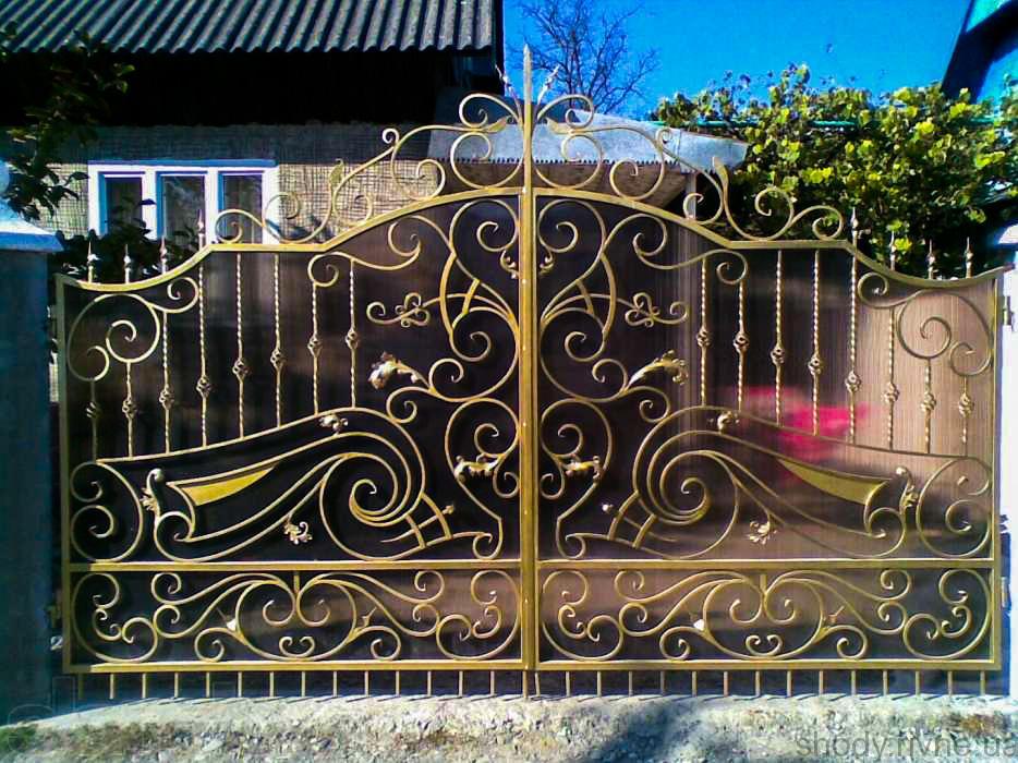 Ворота металеві з ковкою