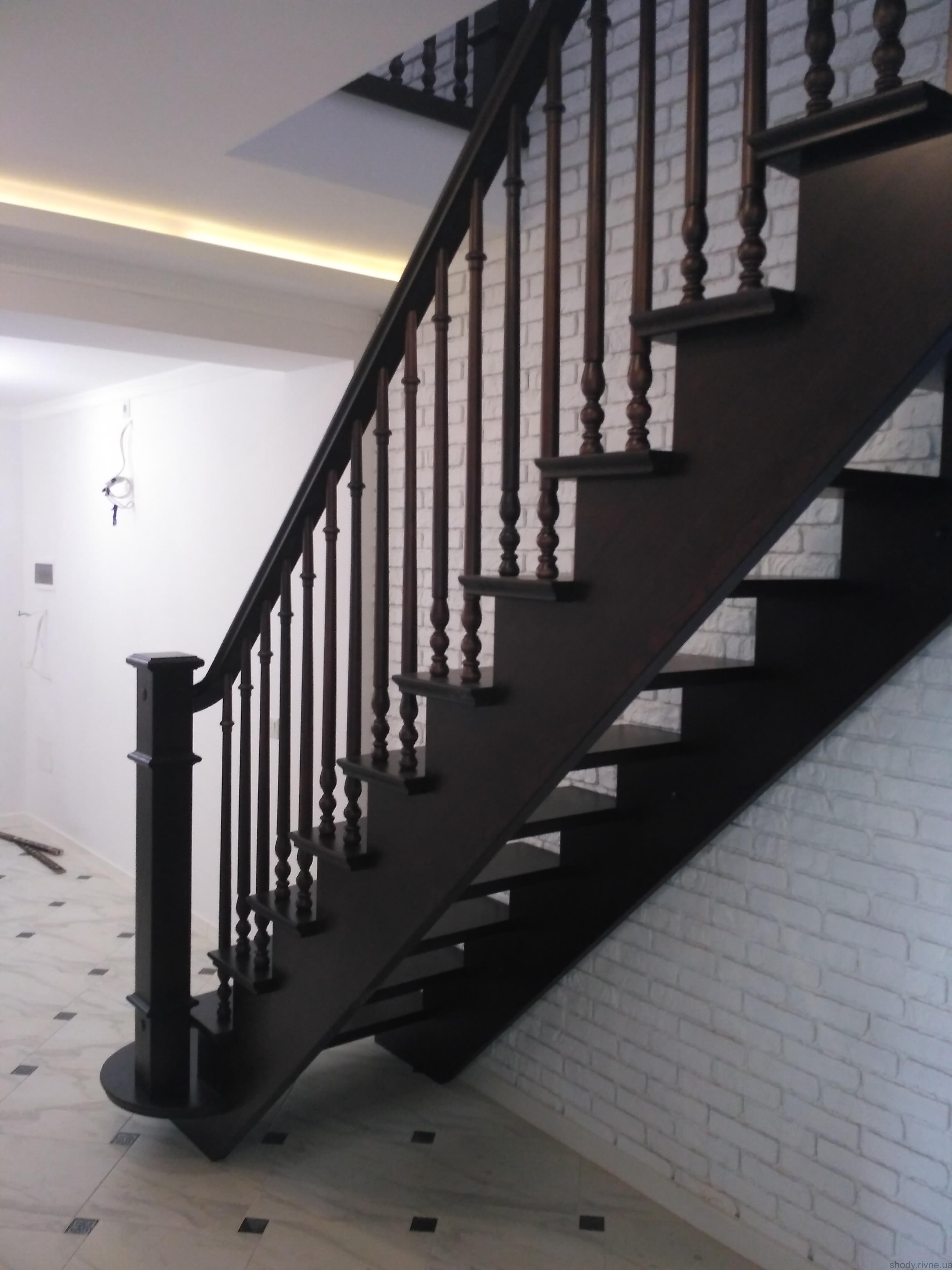 Виготовлення сходів в Рівному
