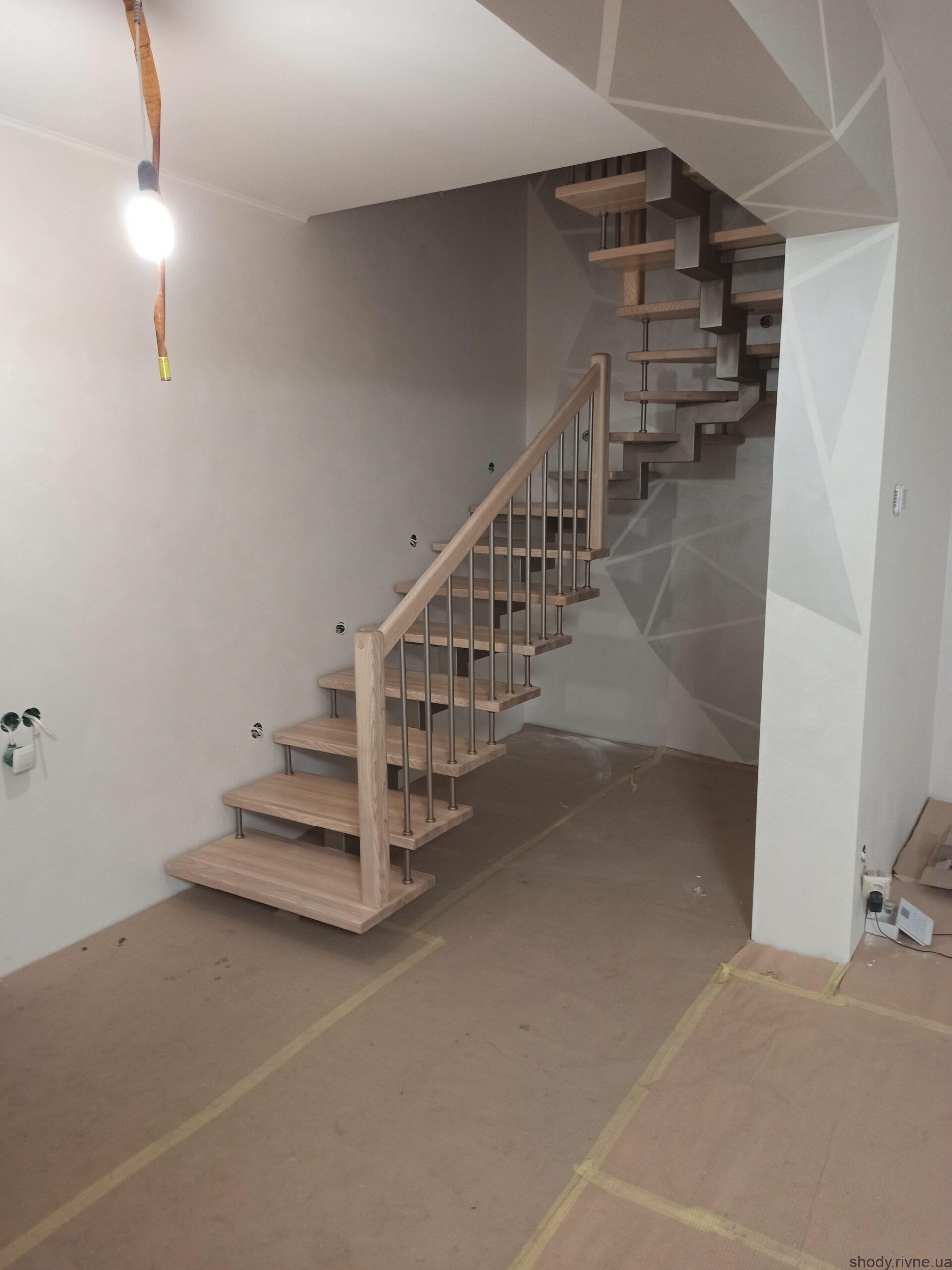 металеві сходи